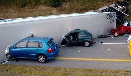Dünyanın en ilginç trafik kazaları 16