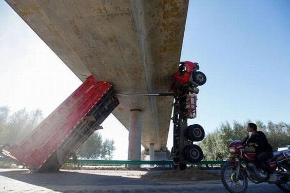 Dünyanın en ilginç trafik kazaları 45