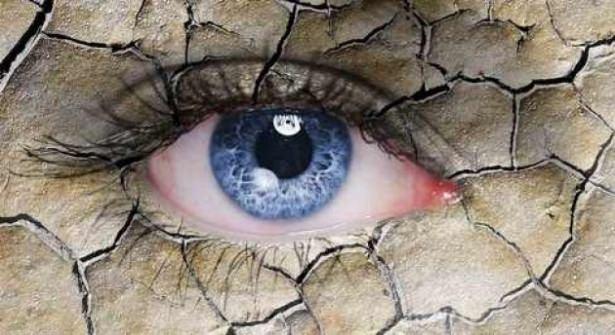 Göz seğirmesi deyip geçmeyin.. O hastalığın belirtisi! 11