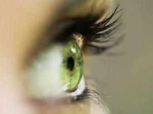 Göz seğirmesi deyip geçmeyin.. O hastalığın belirtisi!