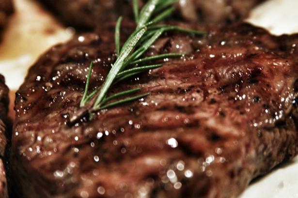 Mangalda veya tavada lezzetli et pişirme püf noktaları; 12