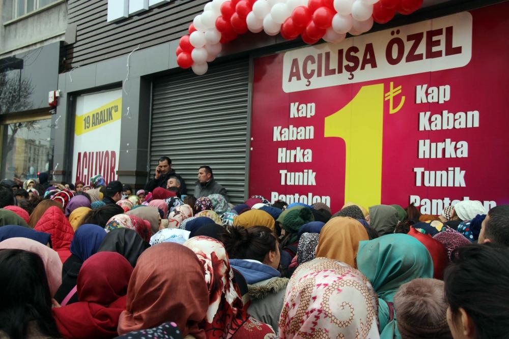 Konya'da 1 Liralık Kampanya İzdihamı 2
