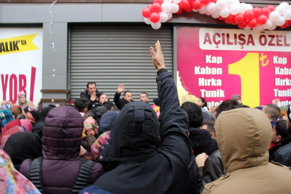 Konya'da 1 Liralık Kampanya İzdihamı 3