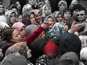 Konya'da 1 Liralık Kampanya İzdihamı