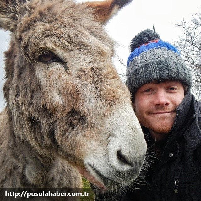 Çektiği Selfielerle İmrenilen Adam Allan Dixon 30