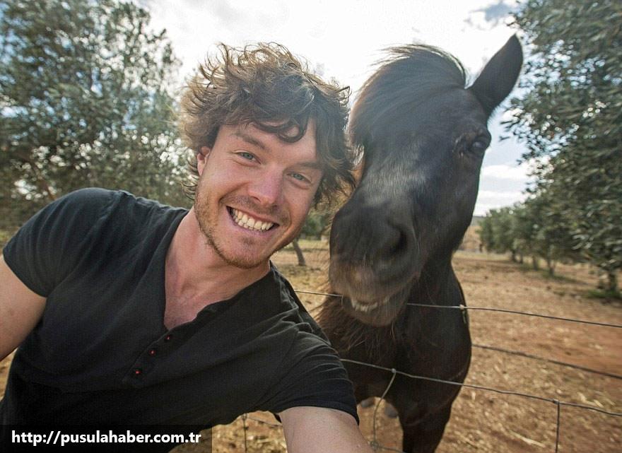 Çektiği Selfielerle İmrenilen Adam Allan Dixon 5