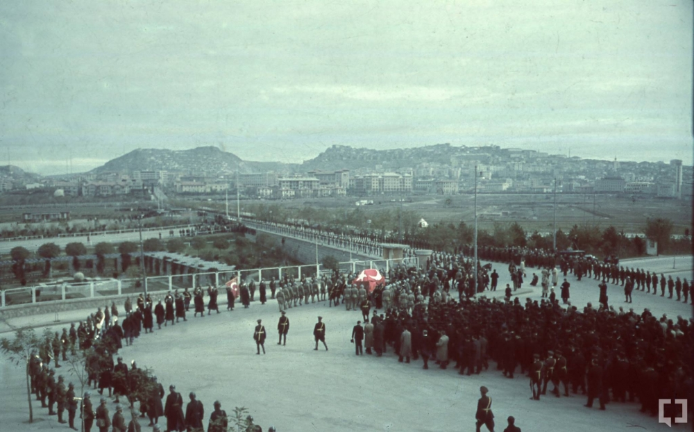 Gazi Mustafa Kemal'in naaşı böyle taşındı 1