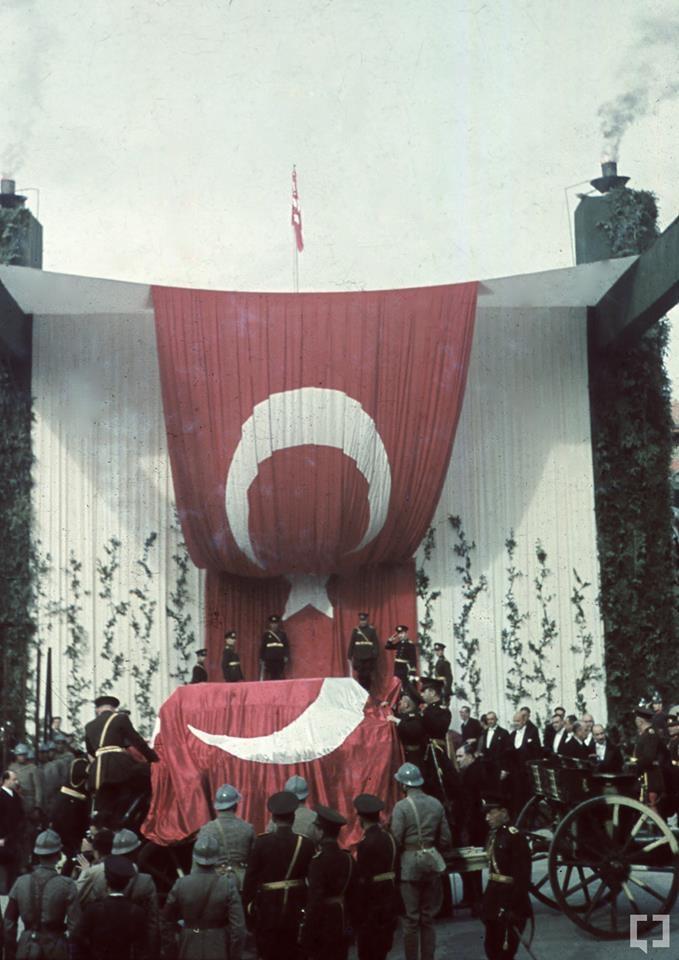 Gazi Mustafa Kemal'in naaşı böyle taşındı 7