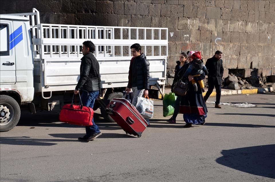 Sur'da vatandaşlar evini terkediyor 13