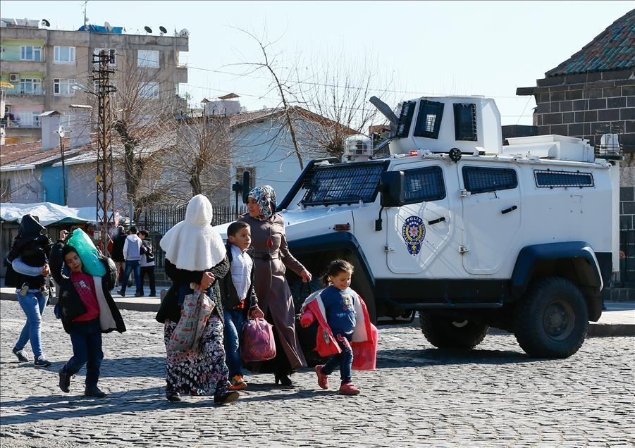 Sur'da vatandaşlar evini terkediyor 3