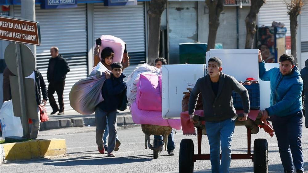 Sur'da vatandaşlar evini terkediyor 7