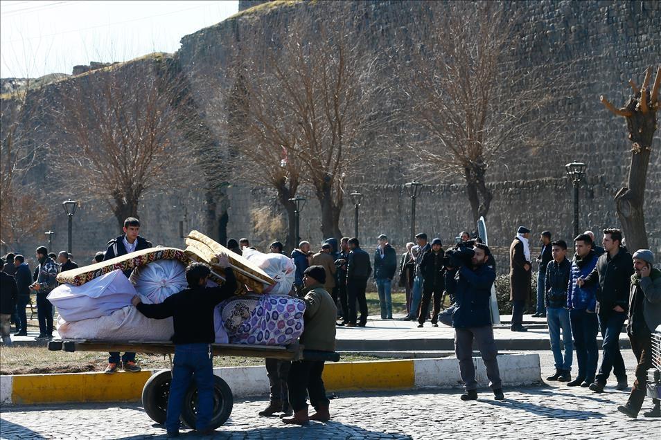 Sur'da vatandaşlar evini terkediyor 8