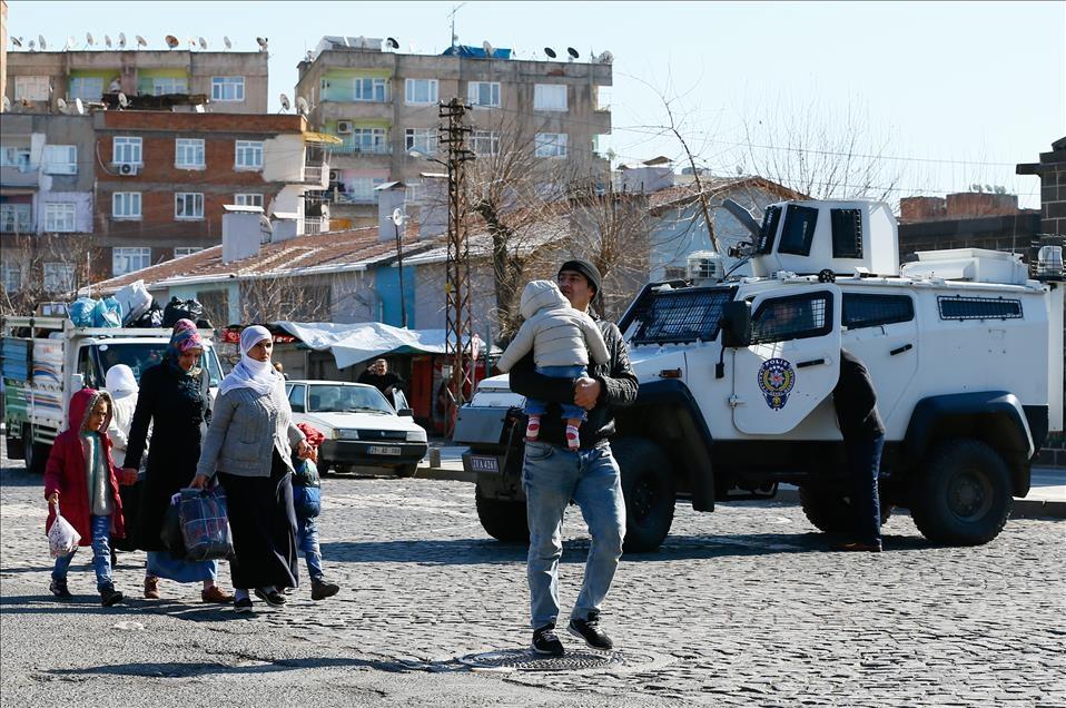 Sur'da vatandaşlar evini terkediyor 9