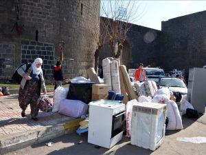 Sur'da vatandaşlar evini terkediyor