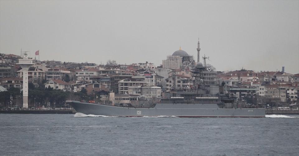 Rus gemileri boğazdan geçti 19