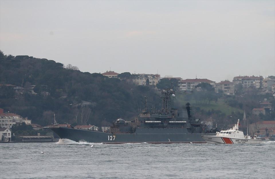 Rus gemileri boğazdan geçti 6