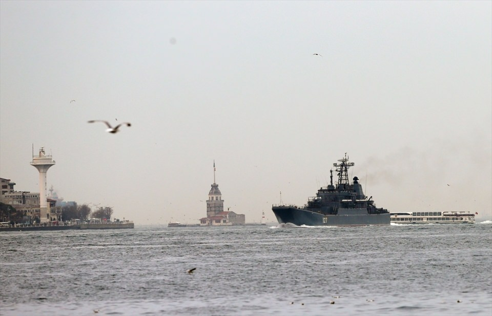 Rus gemileri boğazdan geçti 9