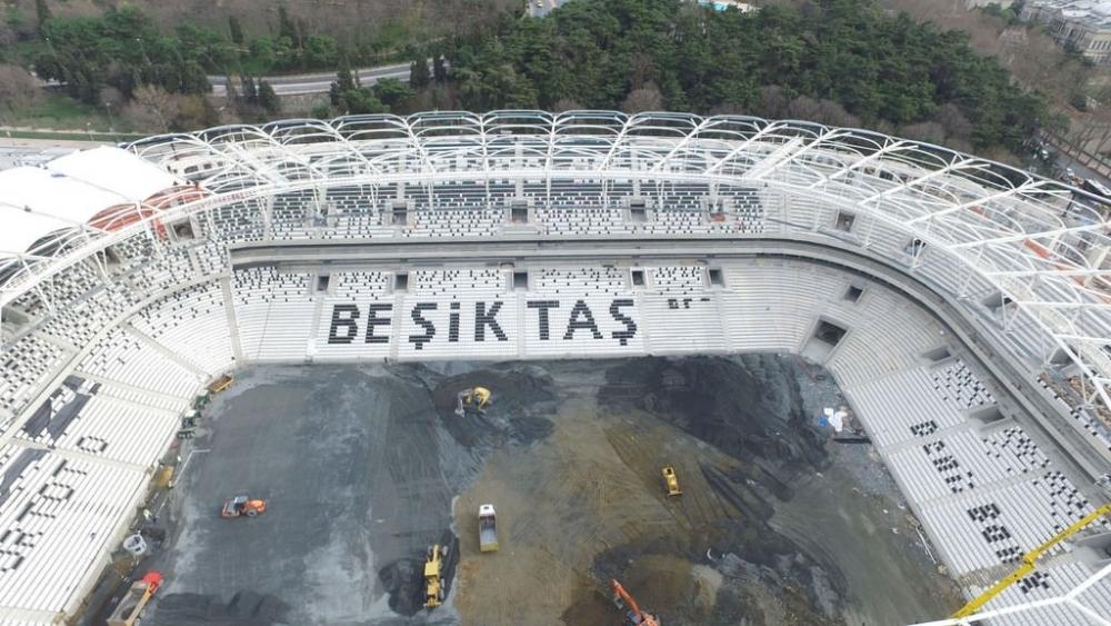 Vodafone Arena'da Beşiktaş yazısı göründü 10