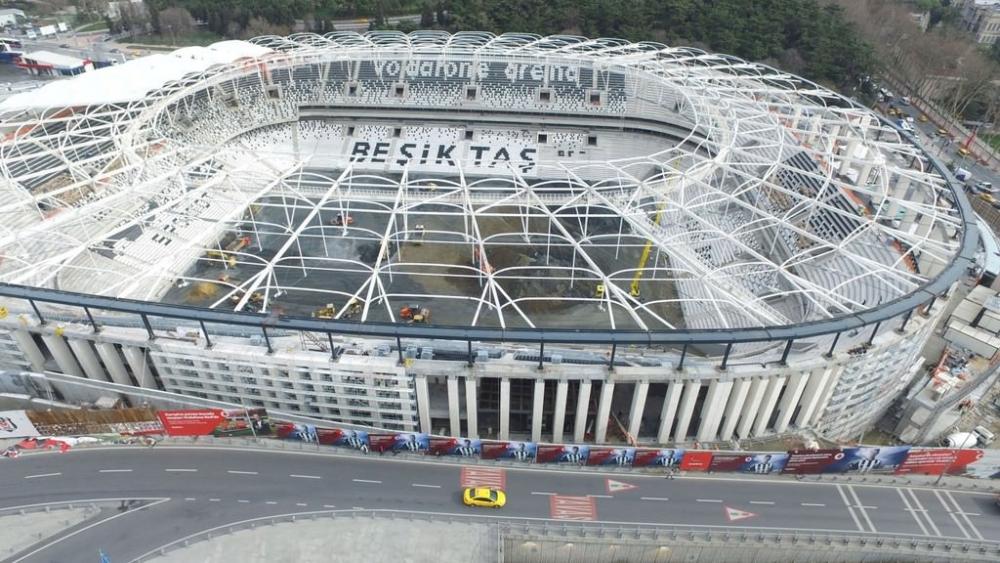 Vodafone Arena'da Beşiktaş yazısı göründü 11