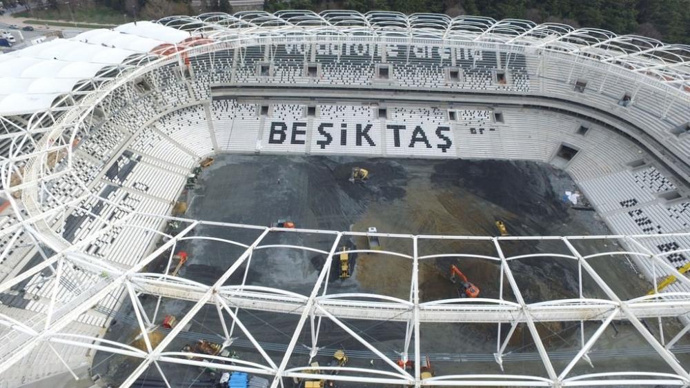 Vodafone Arena'da Beşiktaş yazısı göründü 13