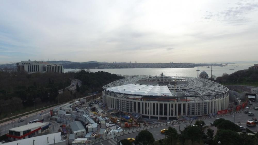Vodafone Arena'da Beşiktaş yazısı göründü 16