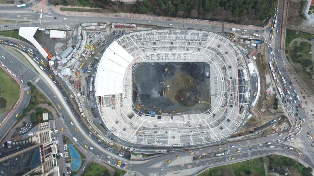 Vodafone Arena'da Beşiktaş yazısı göründü 18