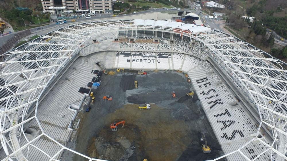 Vodafone Arena'da Beşiktaş yazısı göründü 22