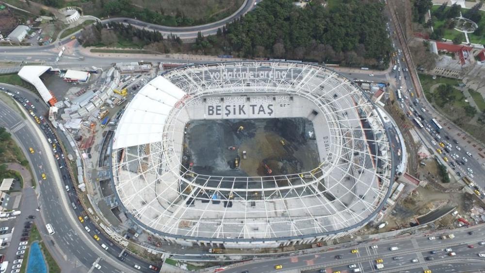 Vodafone Arena'da Beşiktaş yazısı göründü 9