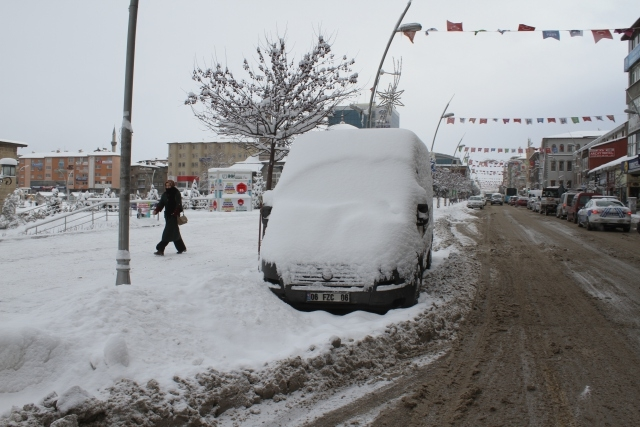 Doğu'nun kar çilesi sürüyor 13