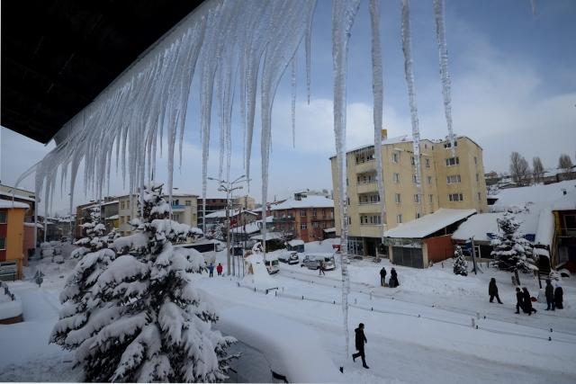 Doğu'nun kar çilesi sürüyor 15