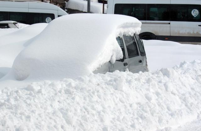 Doğu'nun kar çilesi sürüyor 17