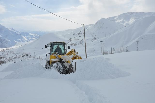 Doğu'nun kar çilesi sürüyor 4