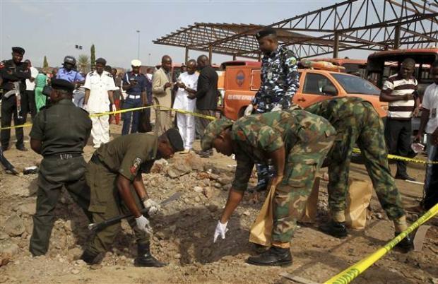 Nijerya'da otobüs terminaline bombalı saldırı 13