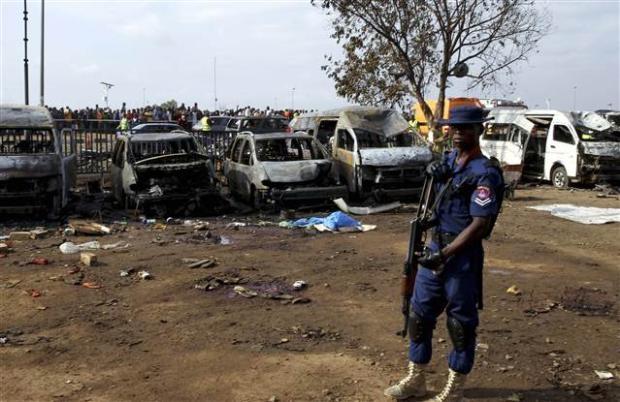 Nijerya'da otobüs terminaline bombalı saldırı 14