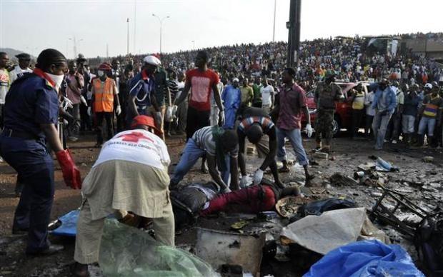 Nijerya'da otobüs terminaline bombalı saldırı 4