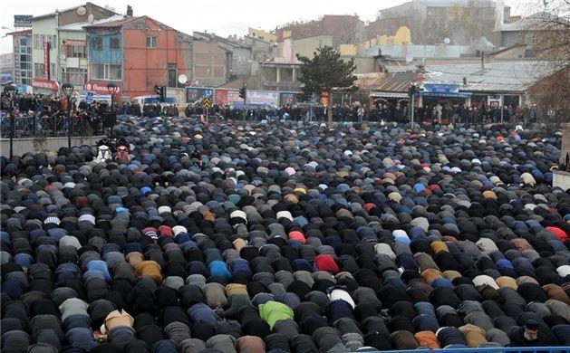 Mehmet Kırkıncı Hoca'yı binler uğurladı 10