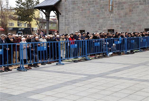 Mehmet Kırkıncı Hoca'yı binler uğurladı 17