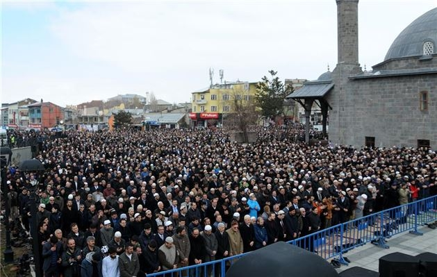 Mehmet Kırkıncı Hoca'yı binler uğurladı 2
