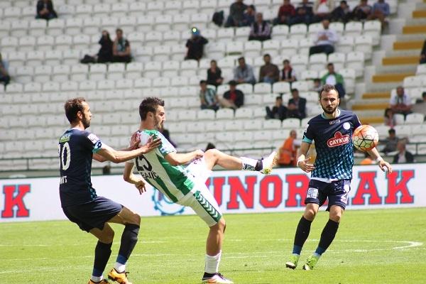 Torku Konyaspor - Çaykur Rizespor maçından kareler 1