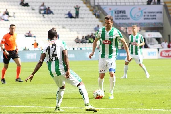 Torku Konyaspor - Çaykur Rizespor maçından kareler 11