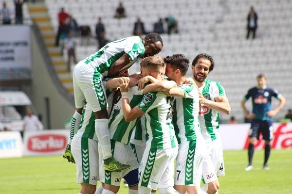 Torku Konyaspor - Çaykur Rizespor maçından kareler 13
