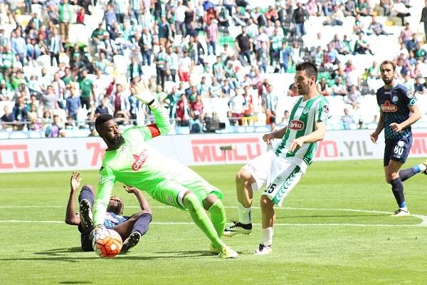 Torku Konyaspor - Çaykur Rizespor maçından kareler 16