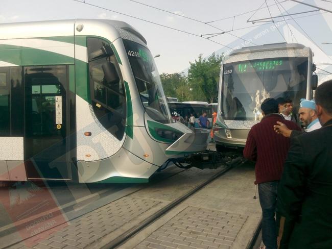 Tramvay raydan çıktı 5