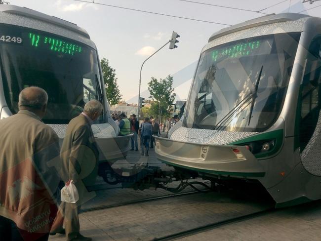 Tramvay raydan çıktı 7