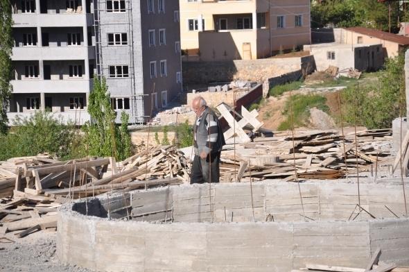 Varını yoğunu harcadı, cami inşaatından vazgeçmedi 2