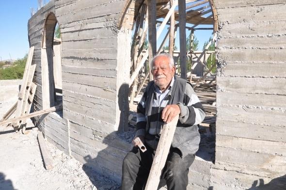 Varını yoğunu harcadı, cami inşaatından vazgeçmedi 5