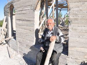 Varını yoğunu harcadı, cami inşaatından vazgeçmedi