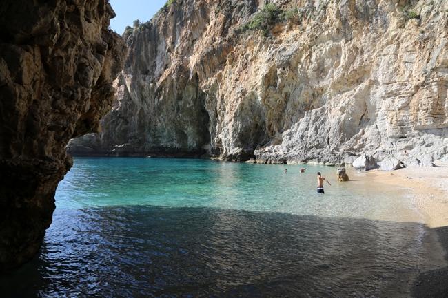Akdeniz'in saklı cenneti: Karamağara 9