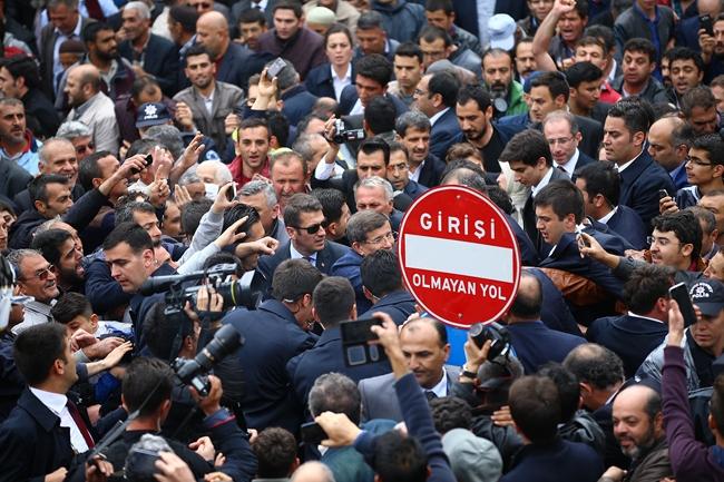 Ahmet Davutoğlu Konya'da böyle karşılandı 1