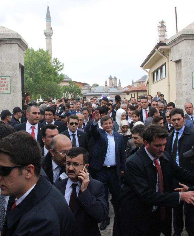 Ahmet Davutoğlu Konya'da böyle karşılandı 12